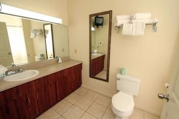 Bathroom in Best Western Twin Islands