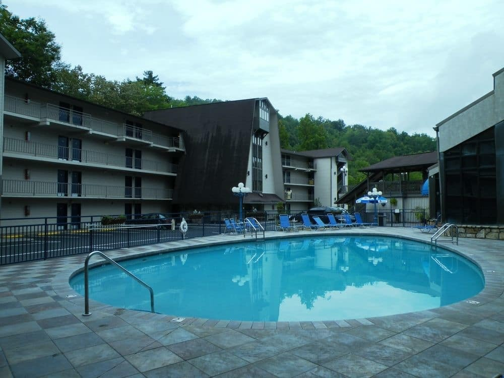 Adult Outdoor Pool at Sidney James Mountain Lodge